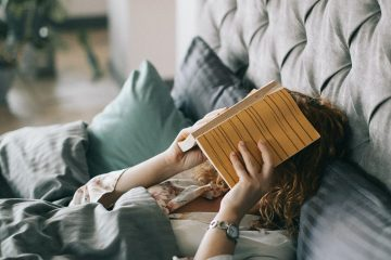 Avantajele alegerii unui pat tapiţat pentru dormitorul tău