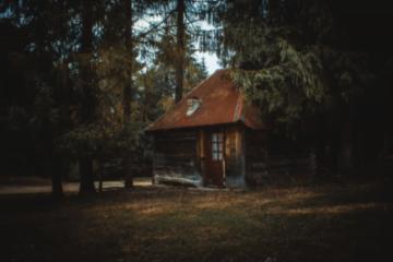 Facilităţi de cazare inedite, în România